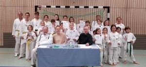 Prüflinge mit Prüfungskomitee 12.2018